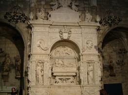 Mausoleu de Ramon Folch de Cardona, de Bellpuig.jpg