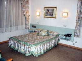 hotel-blanc-i-negre-agramunt-hotel-3.jpg