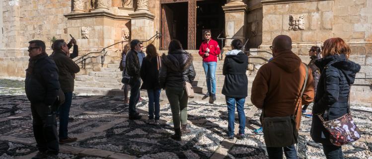 Campanya 2x1: calçotada i visita guiada a Montblanc fins el 25 de març