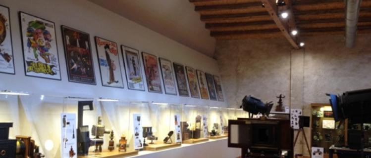 Espai Museístic del Cinema. Col·lecció Josep M. Queraltó a Vallbona de les Monges