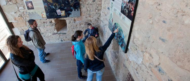 Explore the City Walls of Montblanc